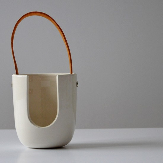 naomipeli-ceramics-leather-collection-airplant-pot-2015