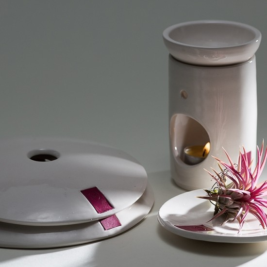 naomipeli-ceramics-leather-collection-wall-air-plant-holder-stone-diffuser-pink-2-2015